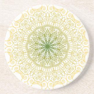 Vert aux dessous de verre de mandala d'or