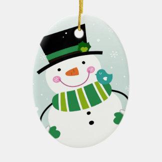 Vert blanc de petit bonhomme de neige mignon ornement ovale en céramique