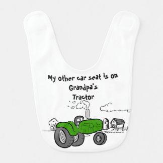 Vert de bavoir du tracteur de mon autre de voiture