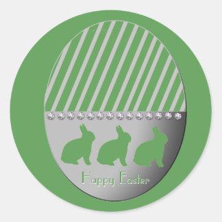 Vert de lapins d'oeuf de pâques sticker rond