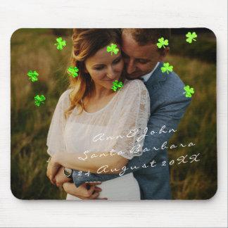 Vert de trèfle de faveur de mariage de nom de tapis de souris