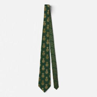 Vert et cravate de Noël d'ananas d'or