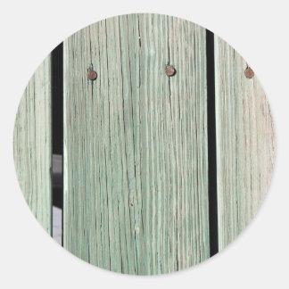 Vert et passage couvert en bois de planche de sticker rond