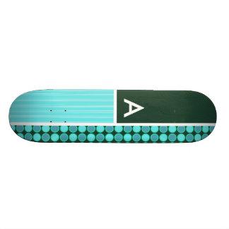 Vert et pois de turquoise skateboard