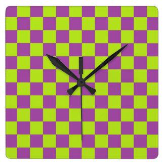 Vert et pourpre de chaux Checkered Horloge Carrée