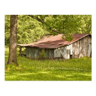 Vert vintage de grange au printemps - Tennessee Carte Postale