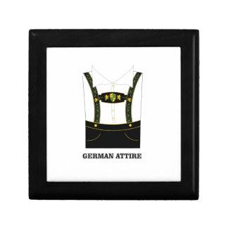 Vêtement allemand petite boîte à bijoux carrée