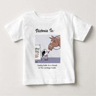 Victoria est… e - par la copie de harrop t-shirt pour bébé