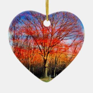 Vieil arbre sage ornement cœur en céramique