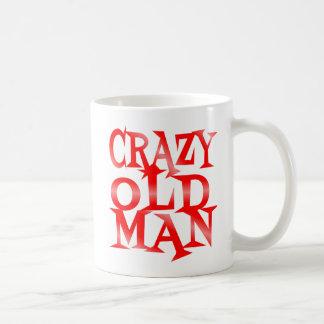 Vieil homme fou en rouge tasse à café