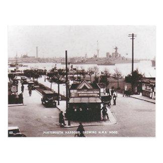 Vieille carte postale - HMS Hood, port de