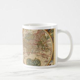 Vieille carte rare et historique antique du monde mug blanc
