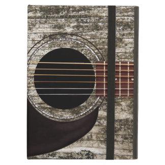 Vieille guitare acoustique supérieure en bois