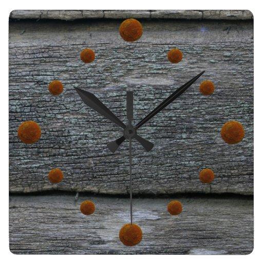 Vieille horloge murale patinée en bois de grange  Zazzle ~ Vieille Horloge En Bois