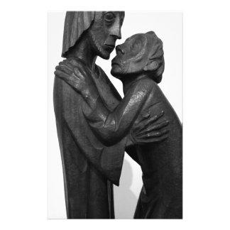 Vieille sculpture en couples papier à lettre