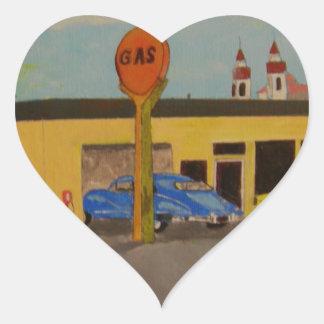 Vieille station service de ville sticker cœur