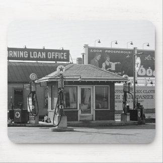 Vieille station service, les années 1920 tapis de souris