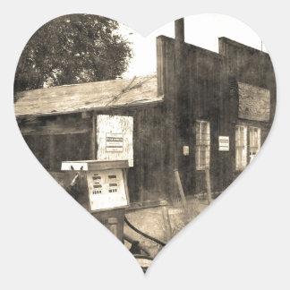 Vieille station service vintage autocollant en cœur