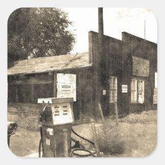 Vieille station service vintage sticker carré