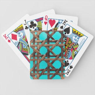 Vieille vannerie en bois jeux de cartes