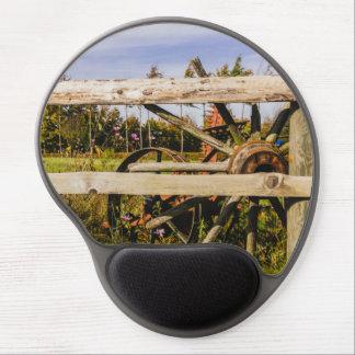 Vieilles roues en bois, photographie rurale tapis de souris en gel
