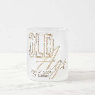 Vieillesse - tasse en verre givré
