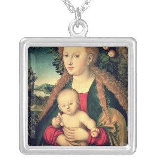 Vierge et enfant sous un pommier pendentif carré
