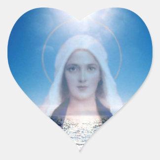 Vierge Marie béni au-dessus du coeur d'océan Sticker Cœur