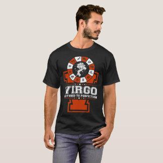 Vierge torturée au T-shirt de zodiaque de