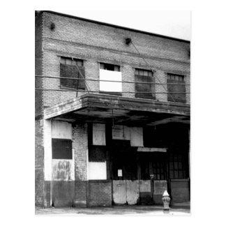 Vieux bâtiment d'abandon cartes postales