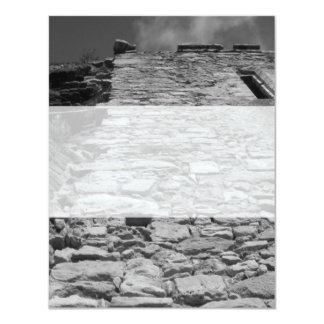 Vieux bâtiment. Mur en pierre grand Invitations