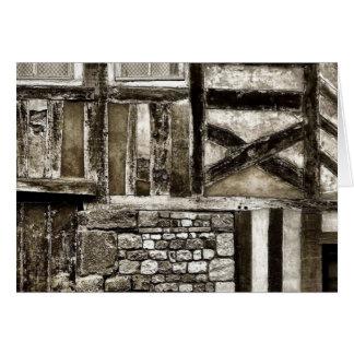 Vieux bâtiment rustique en bois et de pierre carte de correspondance