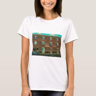 Vieux bâtiment t-shirt