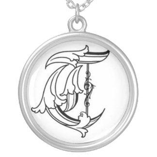 Vieux collier anglais de l'initiale T