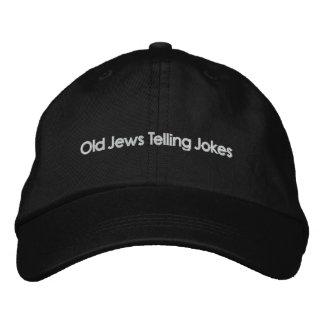 Vieux juifs racontant des plaisanteries : L'autre Casquette Brodée