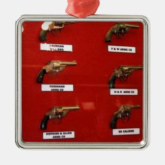 Vieux pistolets à six coups occidentaux ornement carré argenté