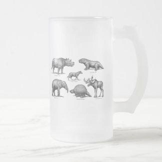 Vieux rétros dinosaures d'illustration vintage de frosted glass beer mug