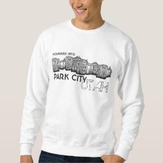 Vieux sweatshirt de types de bâtiments de ville de