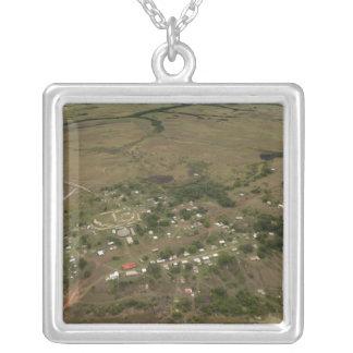 Village d'Amerindan. Saisonnier-inondé Pendentif Carré