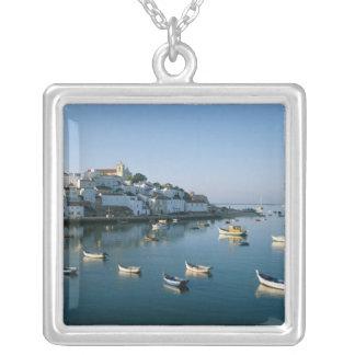 Village de pêche de Ferragudo, Algarve, Portugal 2 Pendentif Carré