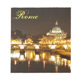 Ville du Vatican, Rome, Italie la nuit Bloc-note