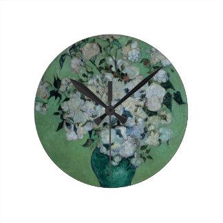 Vincent van Gogh | un vase de roses, 1897 Horloge Ronde