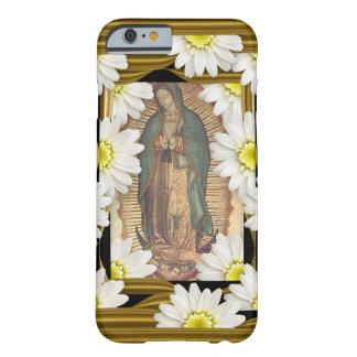 Virgen De Guadalupe (avec des marguerites) Coque iPhone 6 Barely There