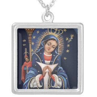 Virgen de la Altagarcia Necklace Pendentif Carré