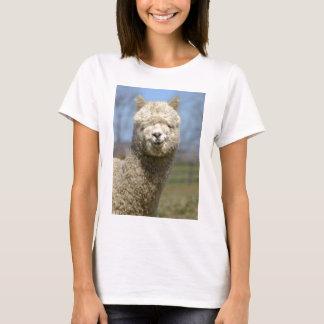 Visage blanc brouillé d'alpaga t-shirt