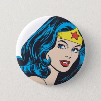 Visage de femme de merveille badge