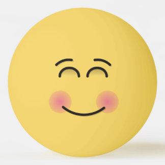 Visage de sourire avec les yeux de sourire balle tennis de table