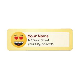 Visage de sourire avec les yeux en forme de coeur étiquette d'adresse retour