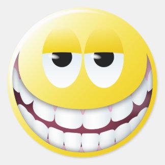 Visage énorme de smiley de sourire