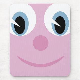 Visage heureux de bande dessinée mignonne tapis de souris